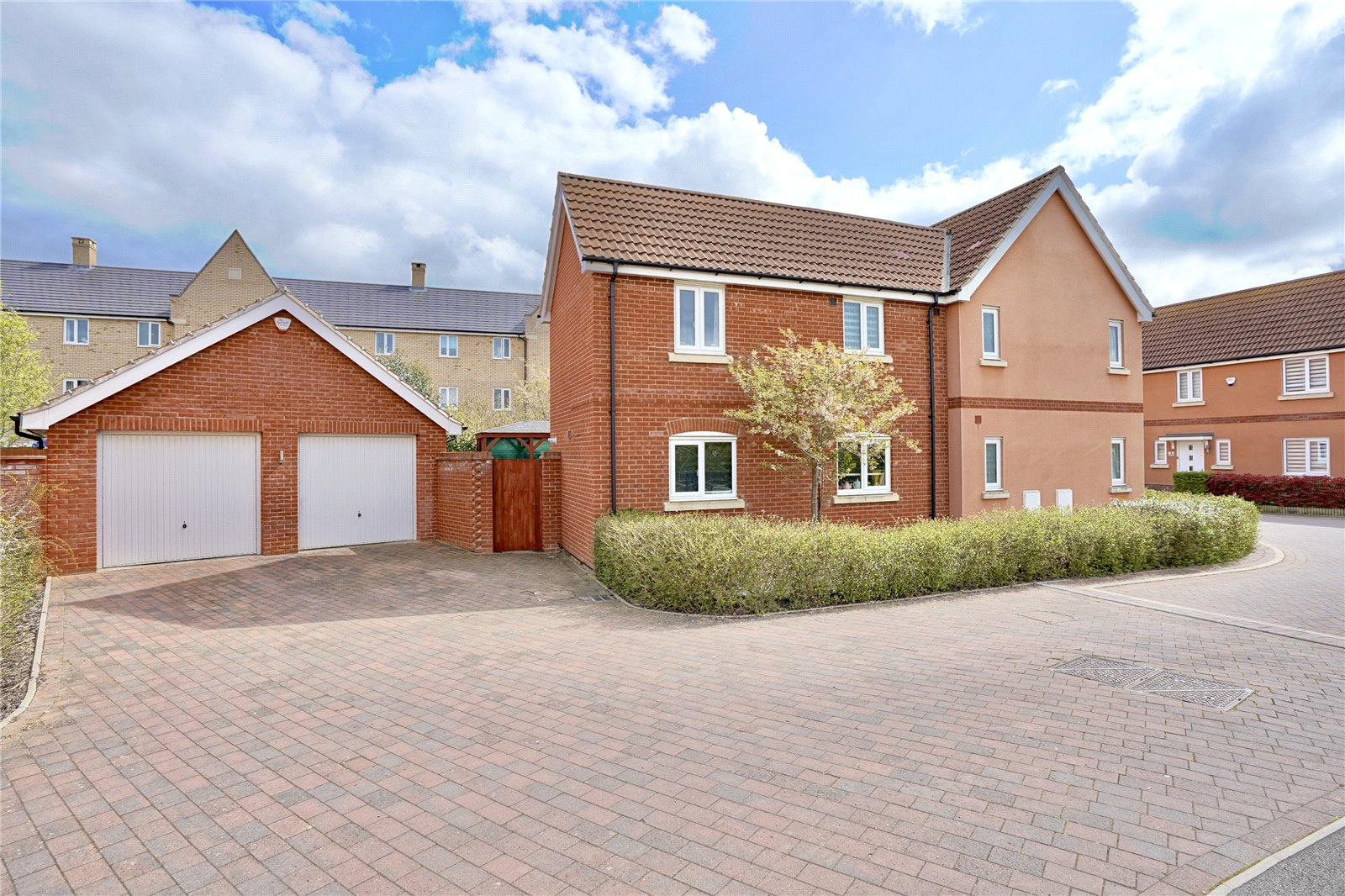 4 bed house for sale in Daffodil Close, Eynesbury  - Property Image 1