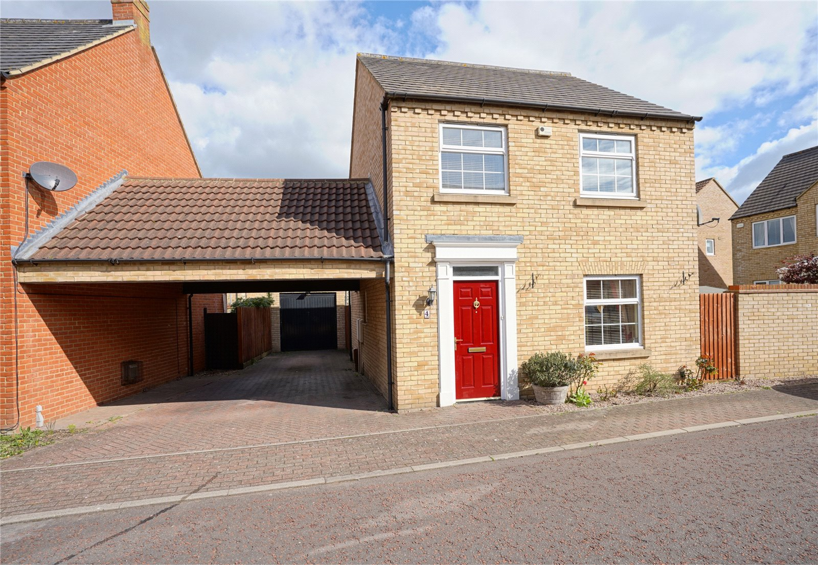 3 bed house for sale in Ream Close, Eynesbury, PE19