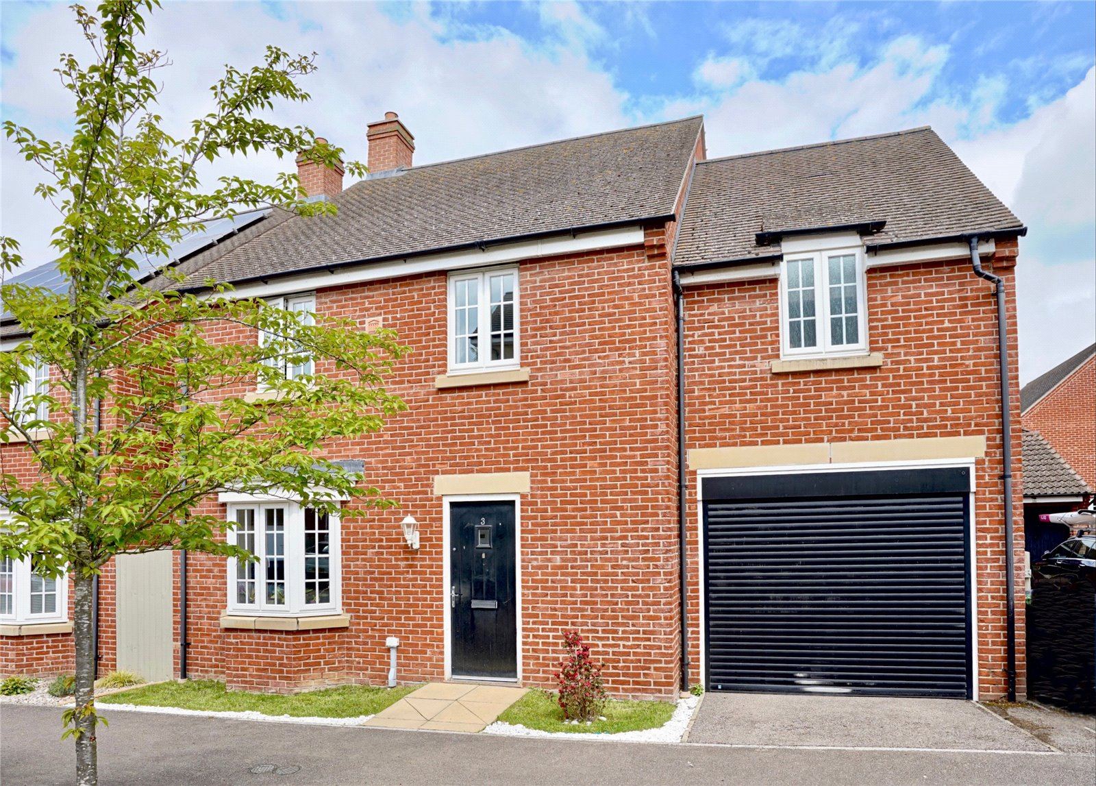 4 bed house for sale in Whiston Way, St. Neots  - Property Image 1
