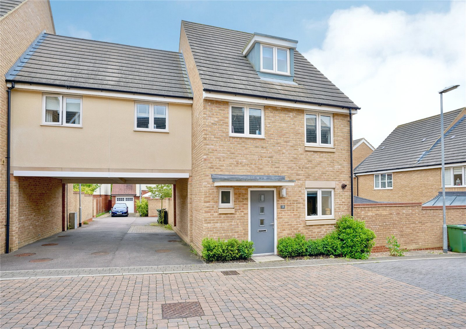 5 bed house for sale in Anderson Close, St. Neots, PE19