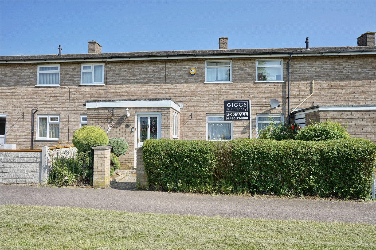 3 bed house for sale in Kings Road, Eaton Socon - Property Image 1