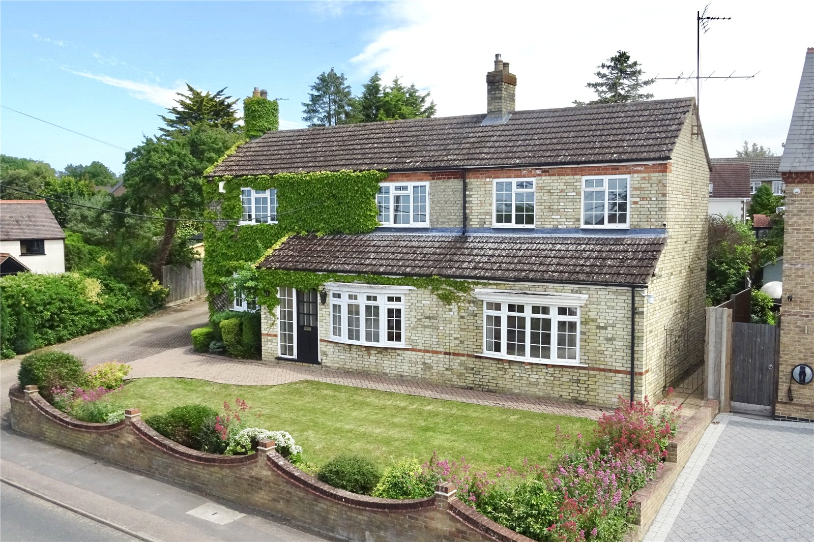 4 bed house for sale in High Street, Great Paxton  - Property Image 1