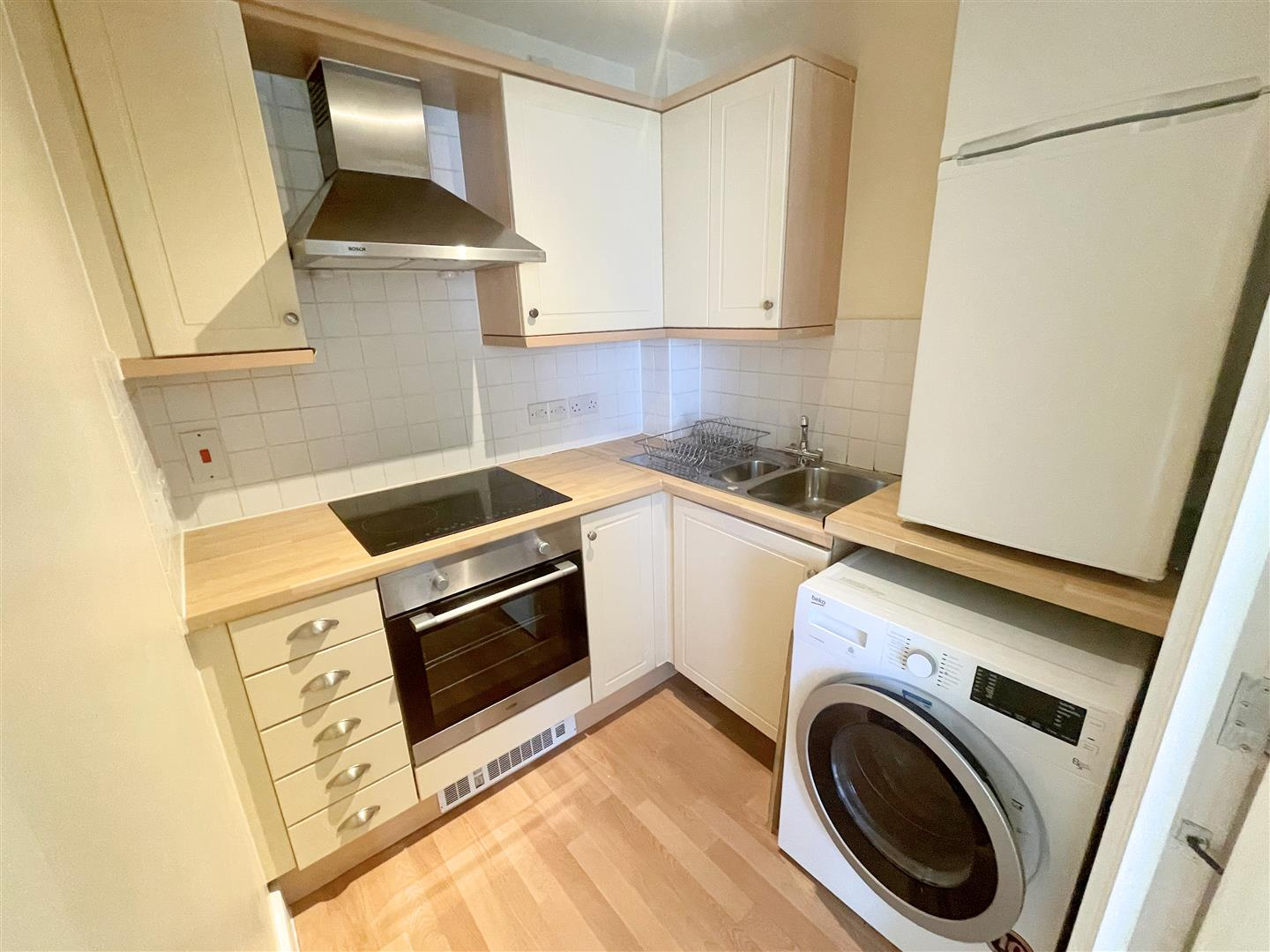 1 bed flat to rent in Harkness Court, Cleeve Way 3