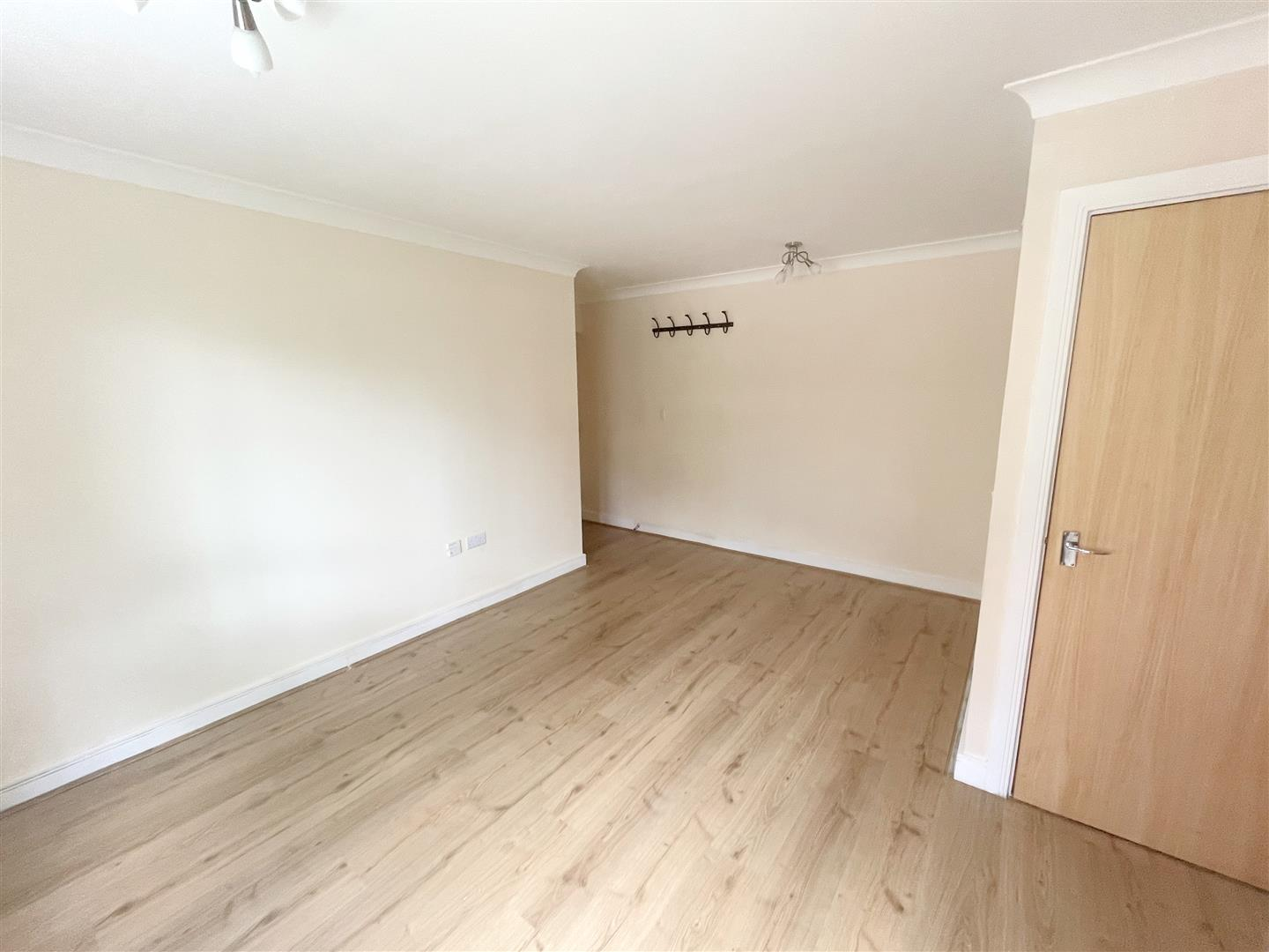 1 bed flat to rent in Harkness Court, Cleeve Way 2