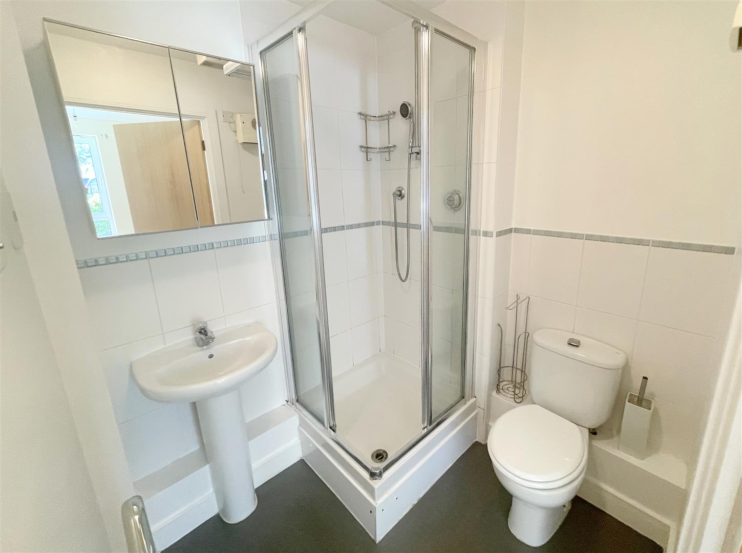 1 bed flat to rent in Harkness Court, Cleeve Way 6