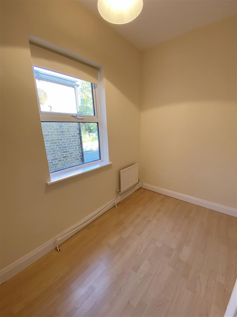 3 bed semi-detached house to rent in Kingston Road, Ewell 12