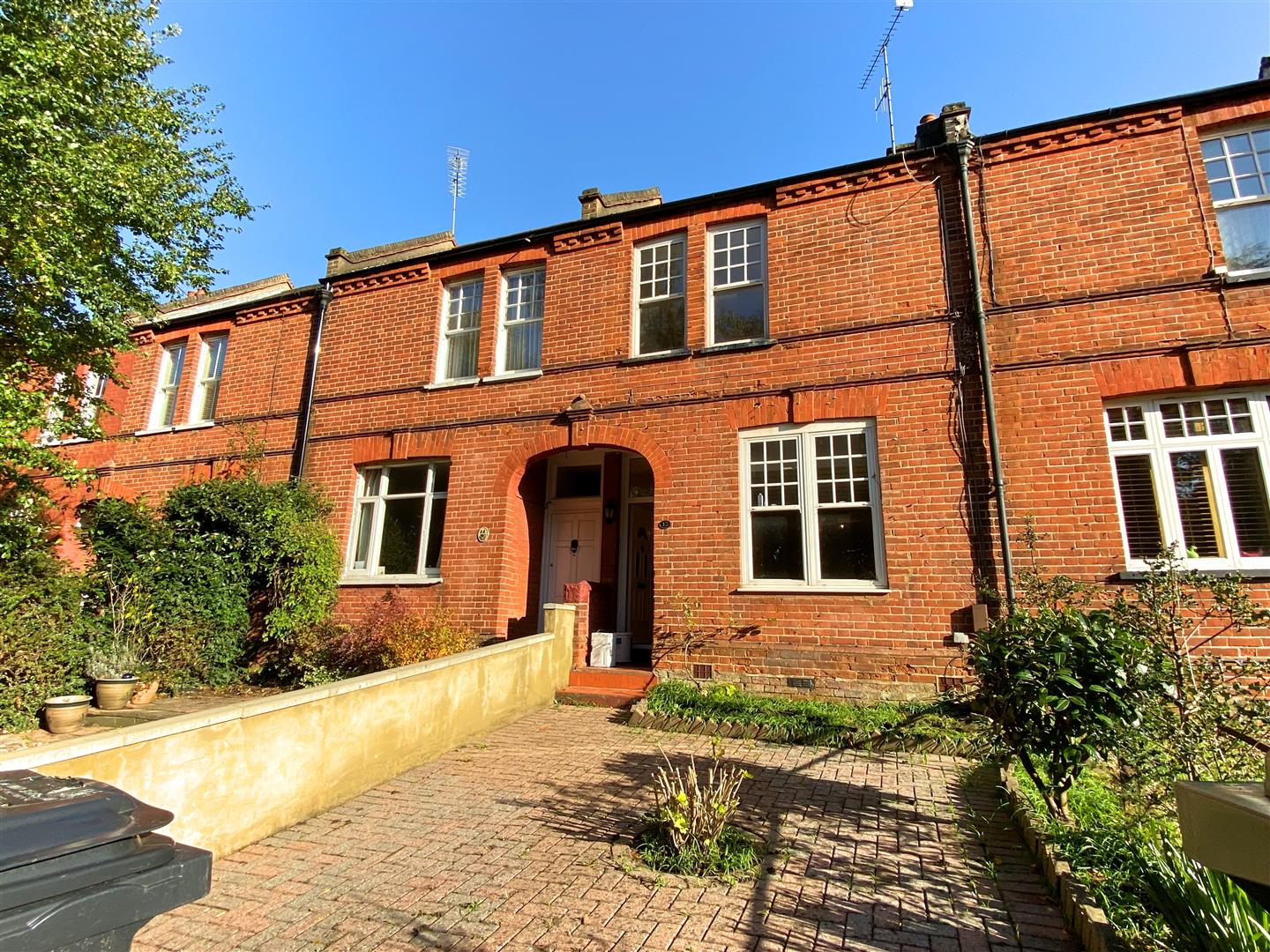 3 bed semi-detached house to rent in Kingston Road, Ewell  - Property Image 2