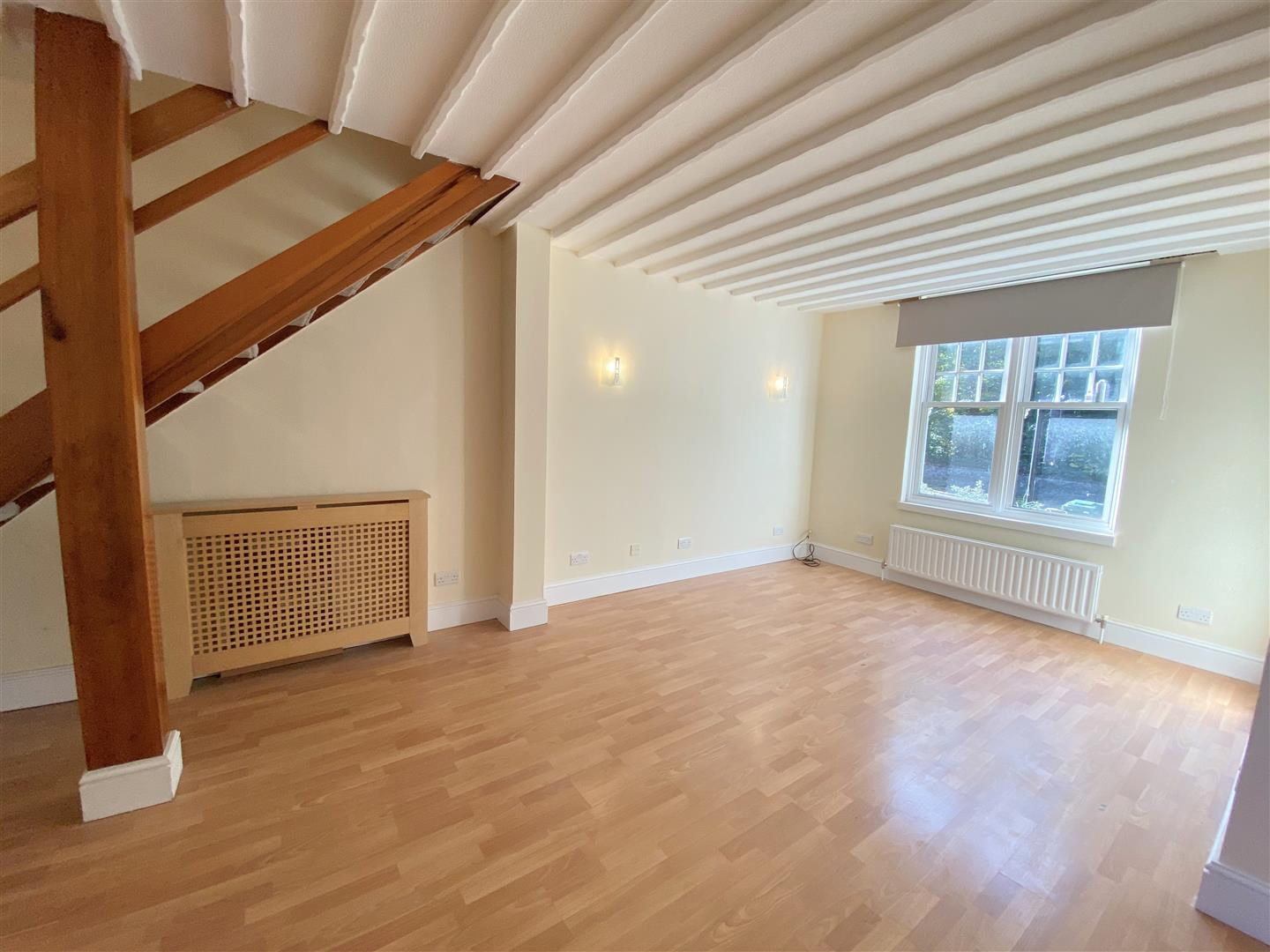 3 bed semi-detached house to rent in Kingston Road, Ewell 4