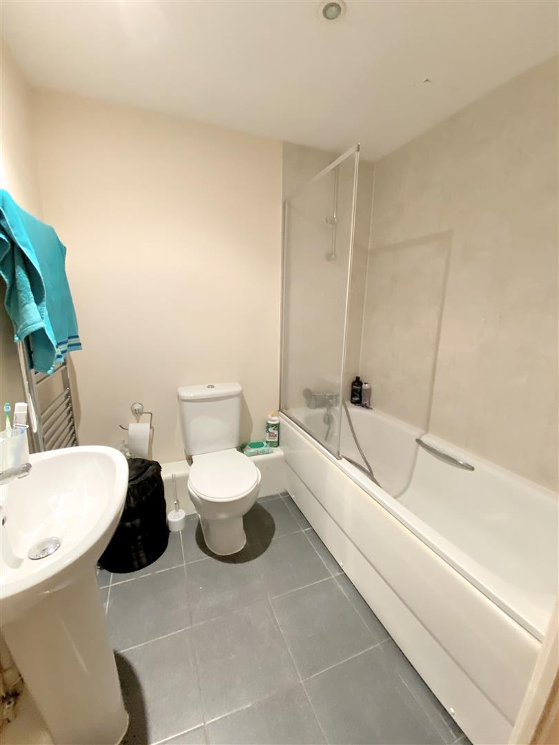 Flat to rent in Aspects, 1 Throwley Way 6
