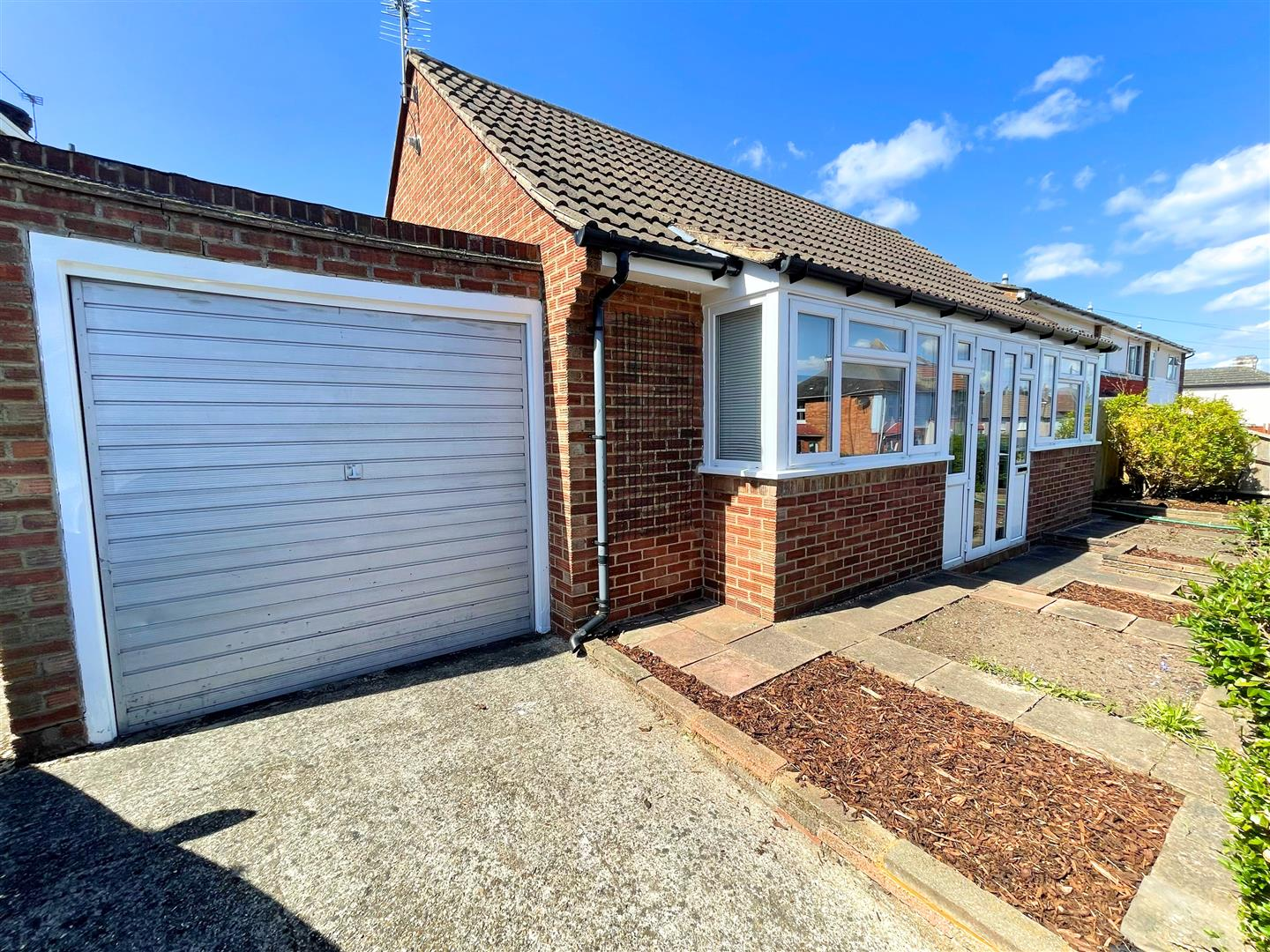 2 bed bungalow to rent in Waterloo Road, Sutton, SM1