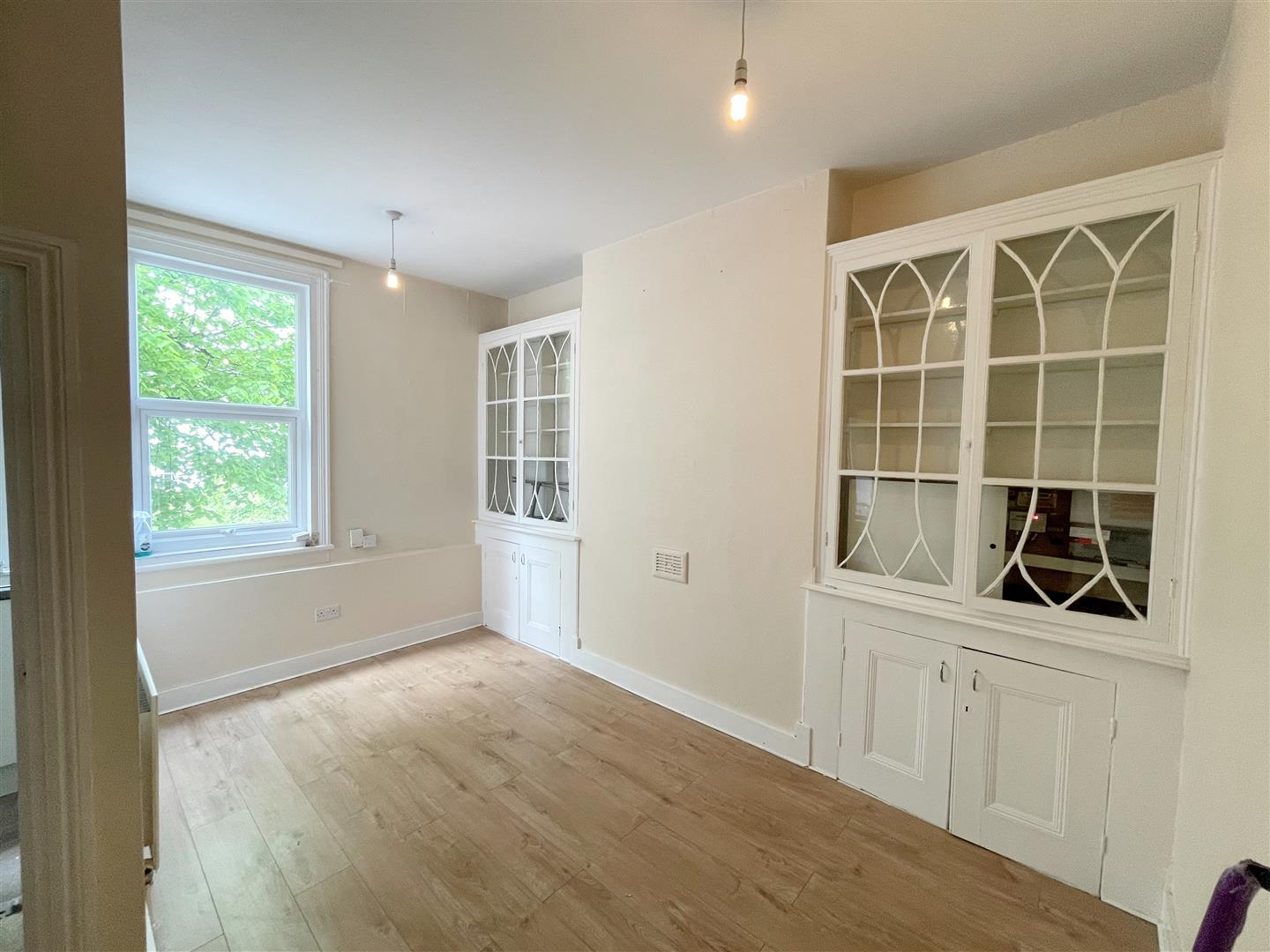 2 bed flat to rent in Manor Road, Wallington 3