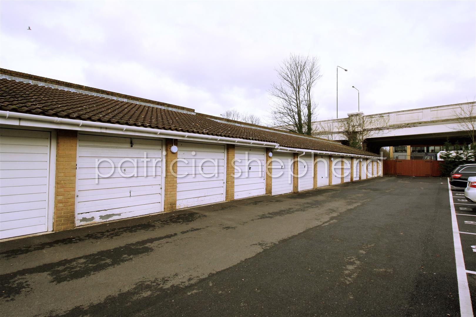 1 bed flat to rent in Carisbrooke Court, Station Approach  - Property Image 2