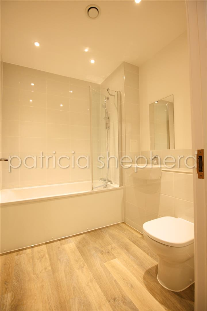 1 bed flat to rent in Tavernelle House, 289 High Street 2