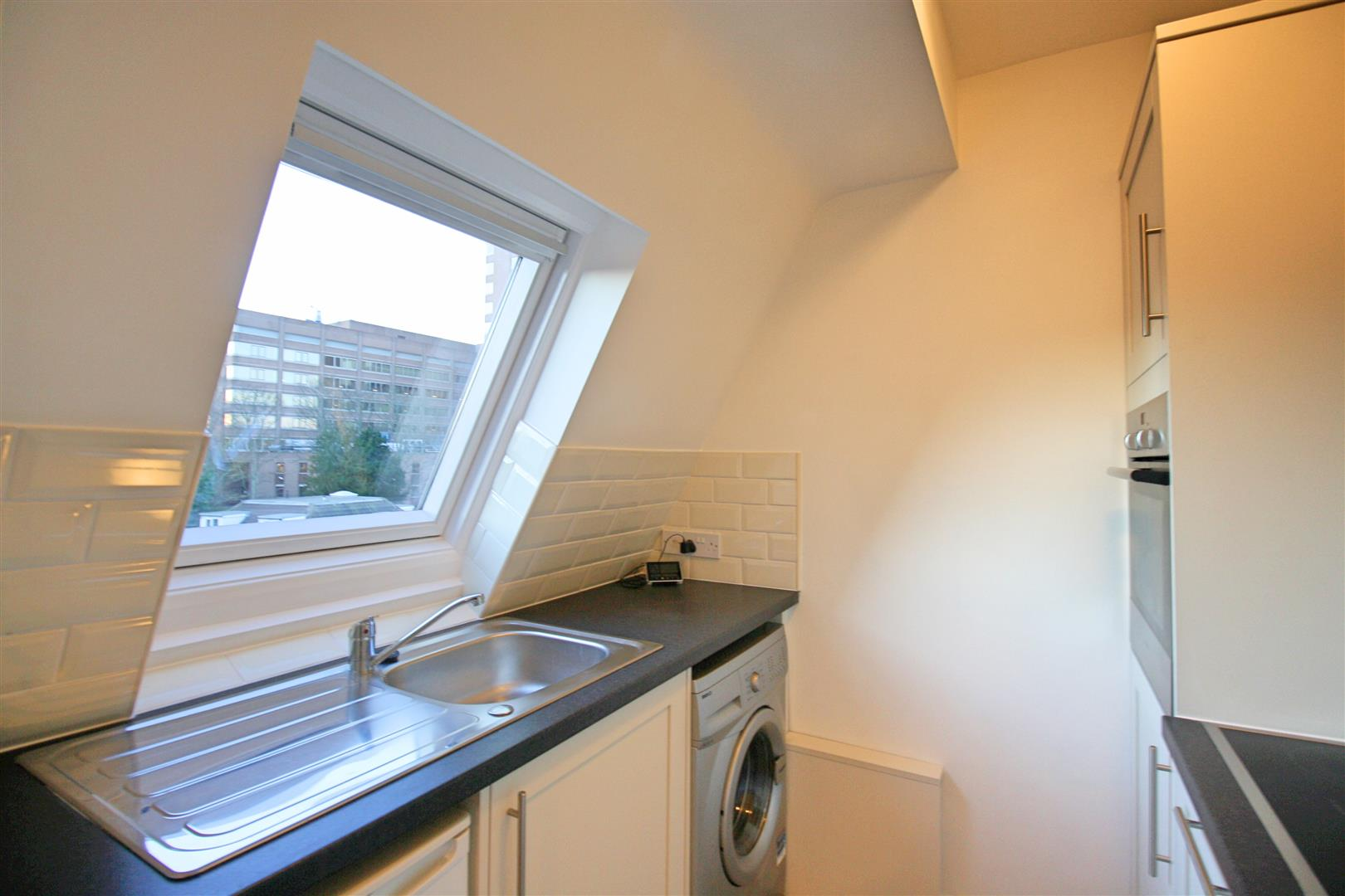 1 bed flat to rent in Hamilton House, 17b Cedar Road  - Property Image 5