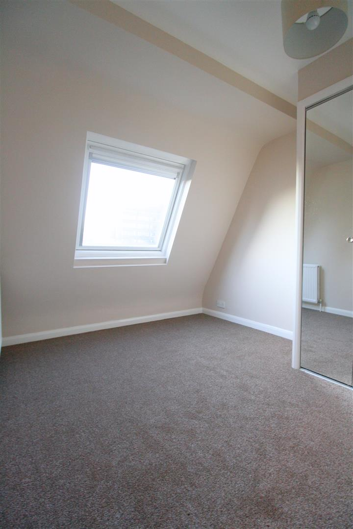 1 bed flat to rent in Hamilton House, 17b Cedar Road 7