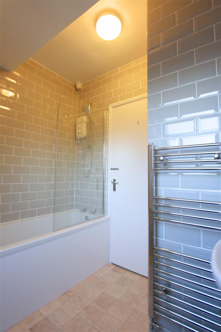 1 bed flat to rent in Hamilton House, 17b Cedar Road 6