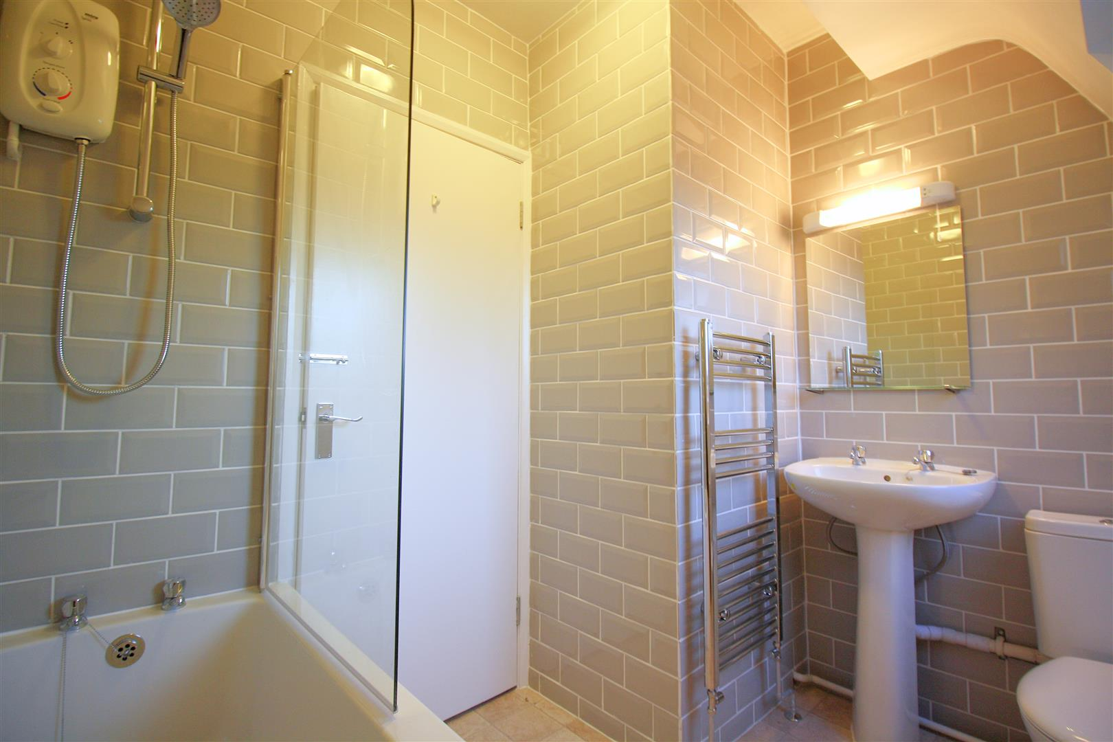 1 bed flat to rent in Hamilton House, 17b Cedar Road  - Property Image 3