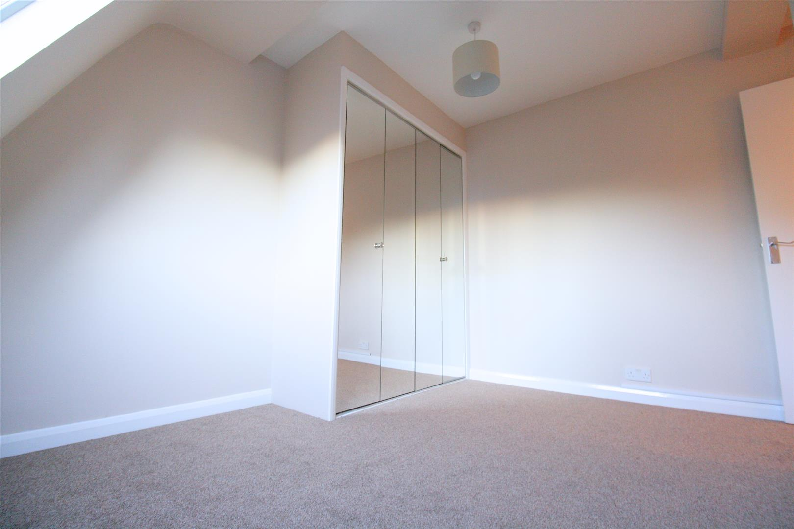 1 bed flat to rent in Hamilton House, 17b Cedar Road 8