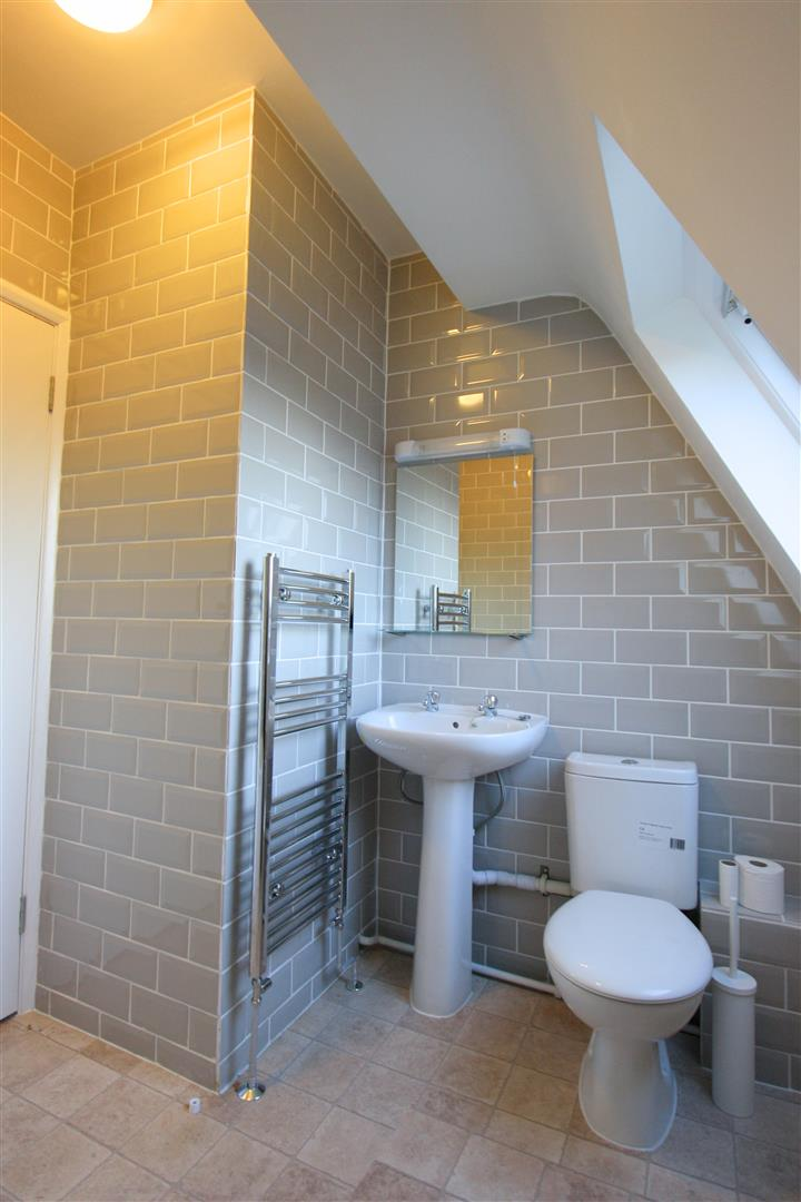 1 bed flat to rent in Hamilton House, 17b Cedar Road 5
