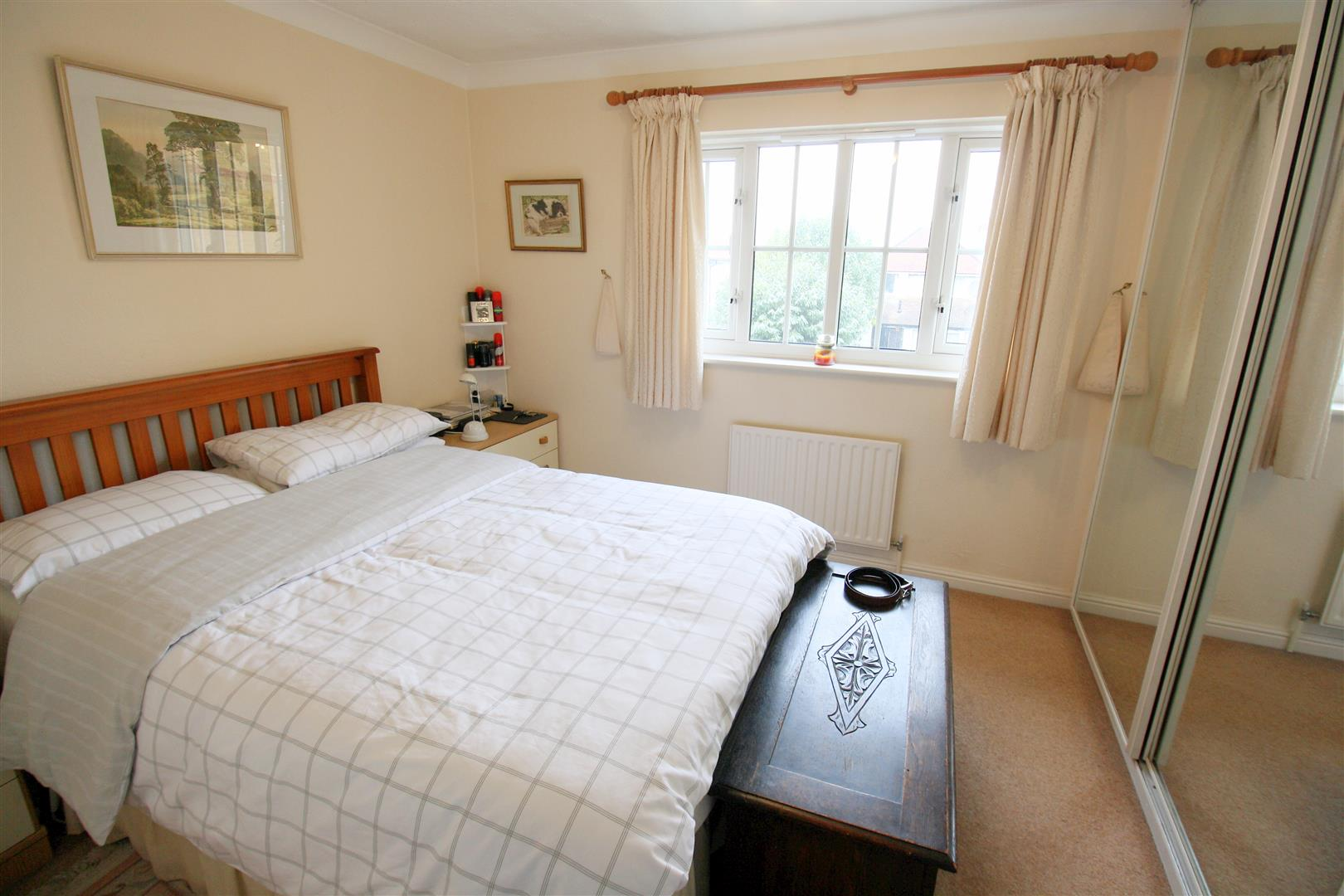 2 bed terraced house to rent in Elizabeth Close, Sutton  - Property Image 6