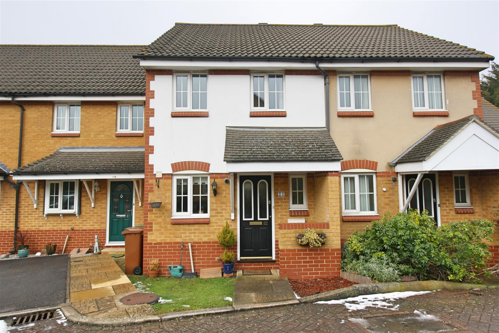 2 bed terraced house to rent in Elizabeth Close, Sutton, SM1