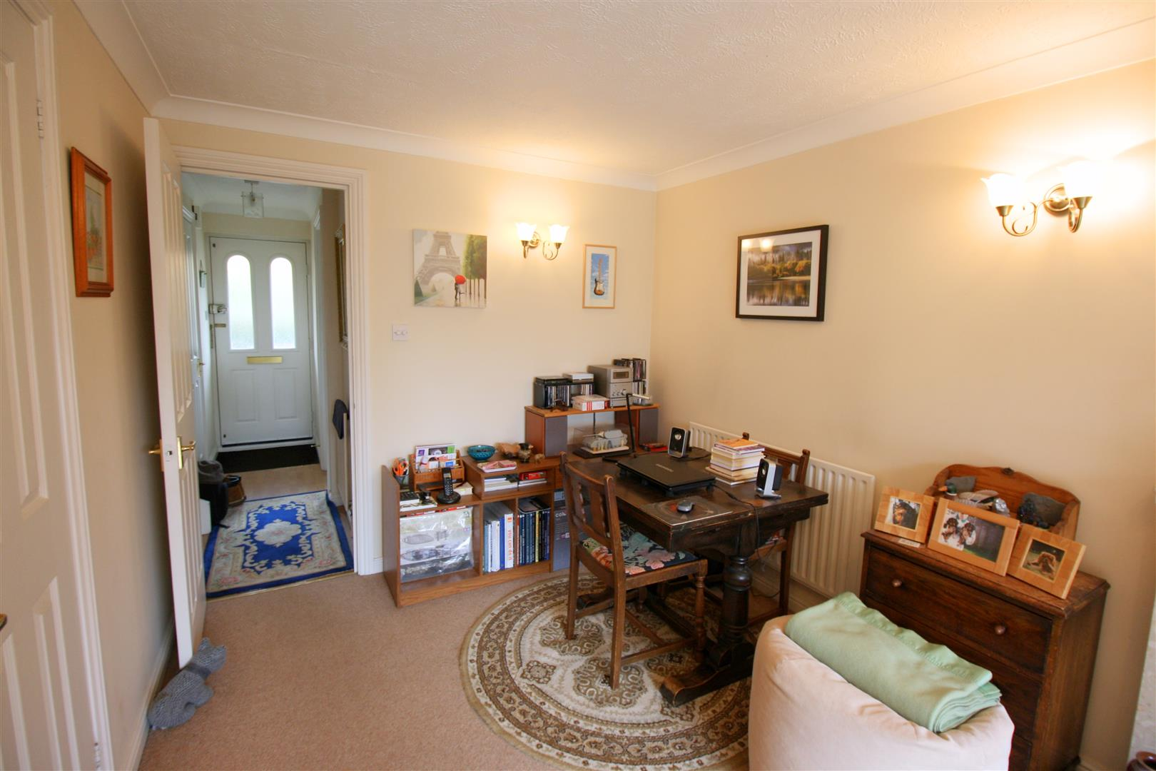 2 bed terraced house to rent in Elizabeth Close, Sutton 2