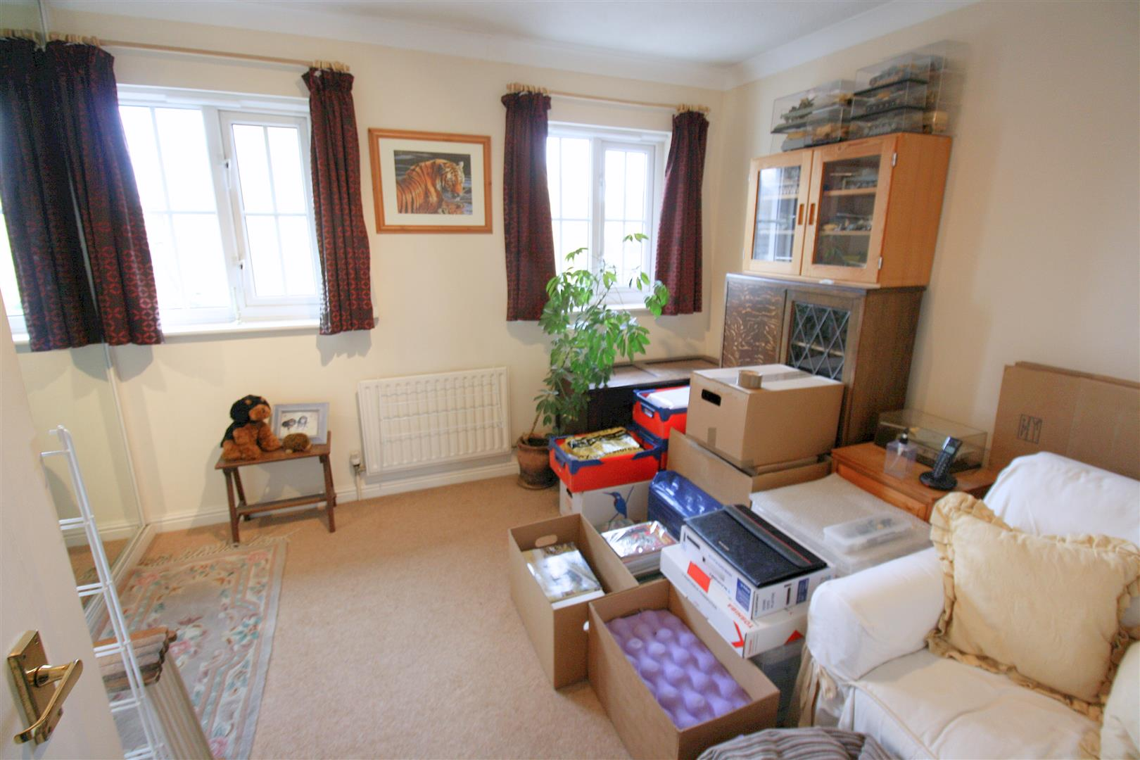 2 bed terraced house to rent in Elizabeth Close, Sutton 7