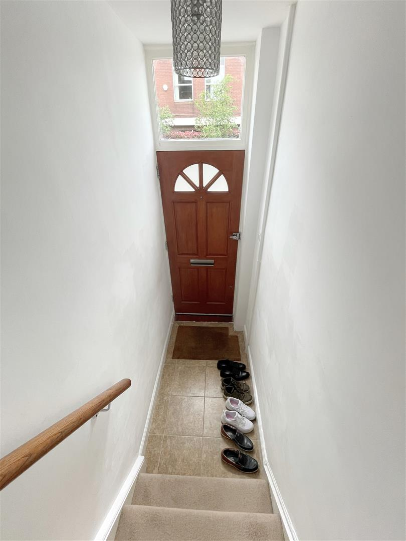 1 bed flat to rent in Upper Mulgrave Road, Cheam  - Property Image 2