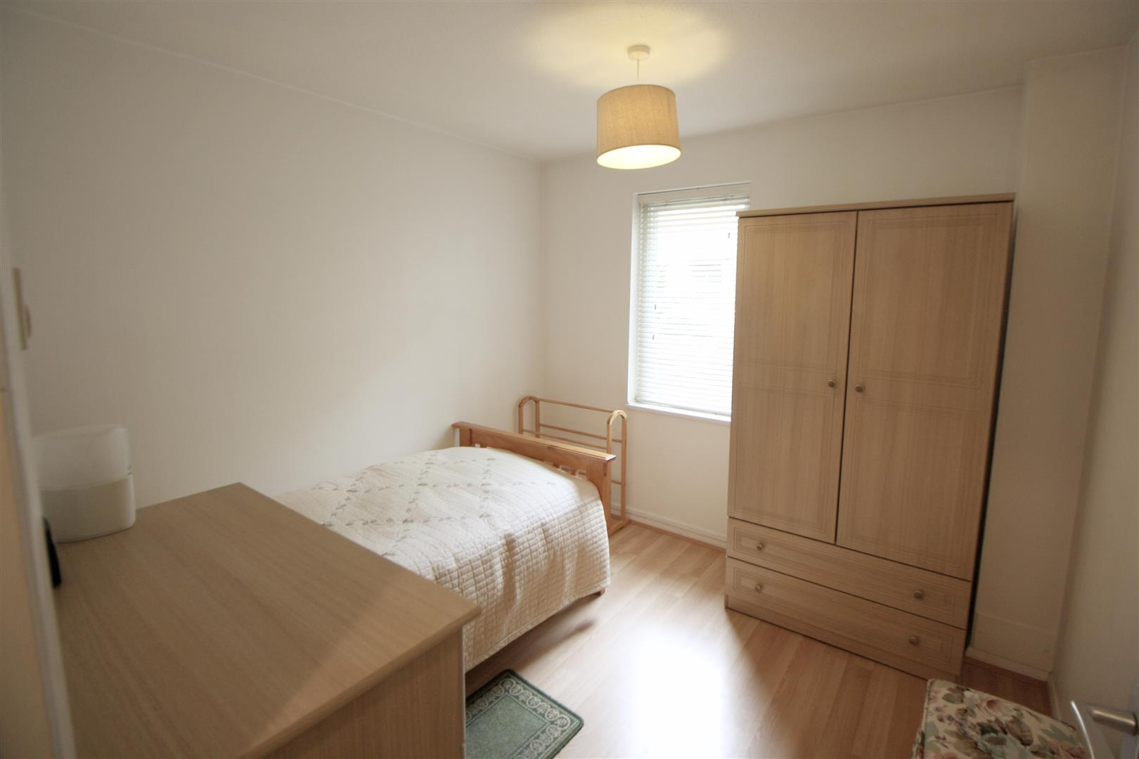 1 bed maisonette to rent in Turnpike Lane, Sutton 3
