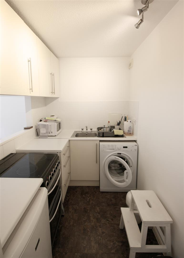1 bed maisonette to rent in Turnpike Lane, Sutton  - Property Image 6