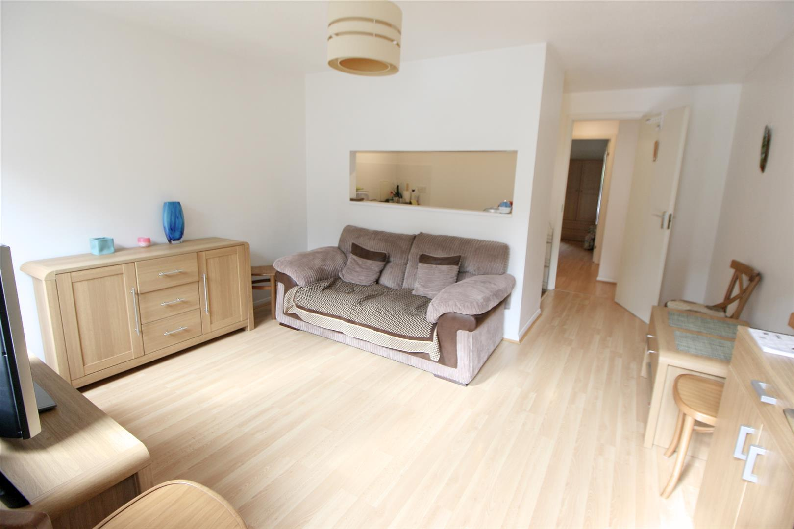 1 bed maisonette to rent in Turnpike Lane, Sutton 6