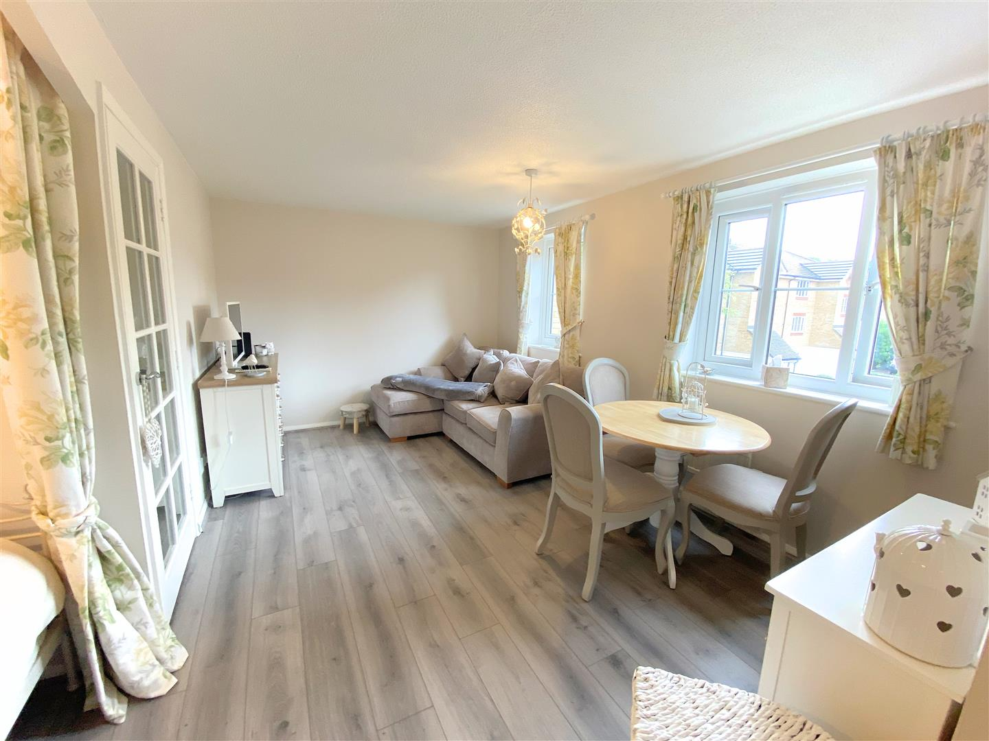 Flat to rent in Chipstead Close, Sutton 3
