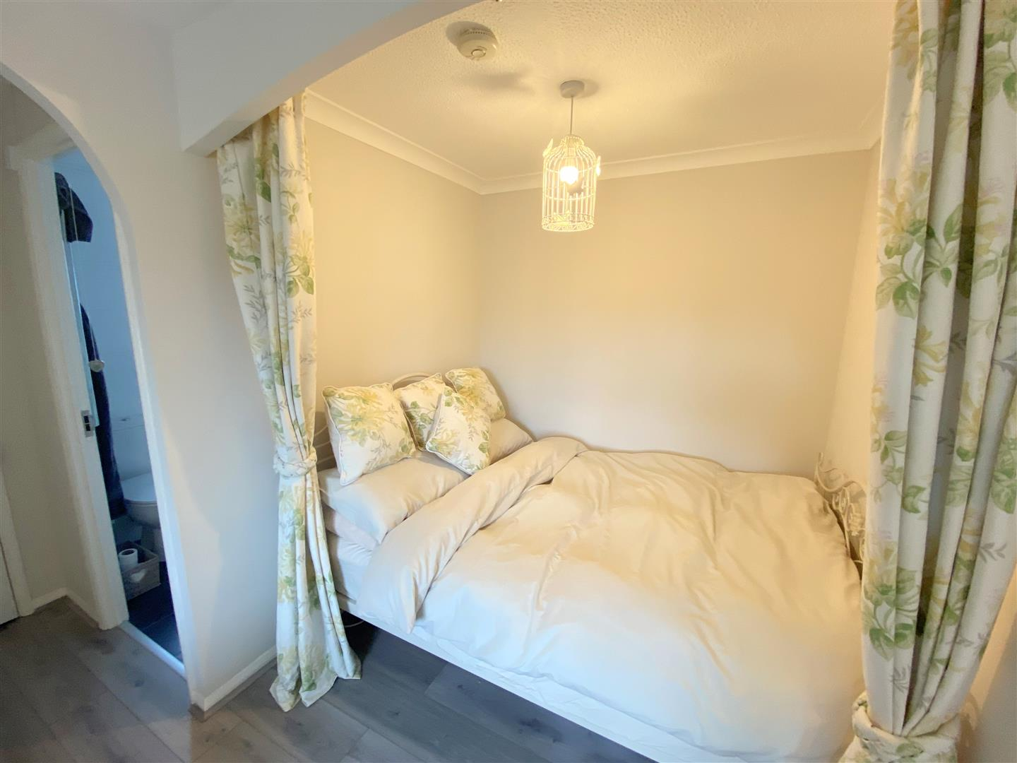 Flat to rent in Chipstead Close, Sutton 4