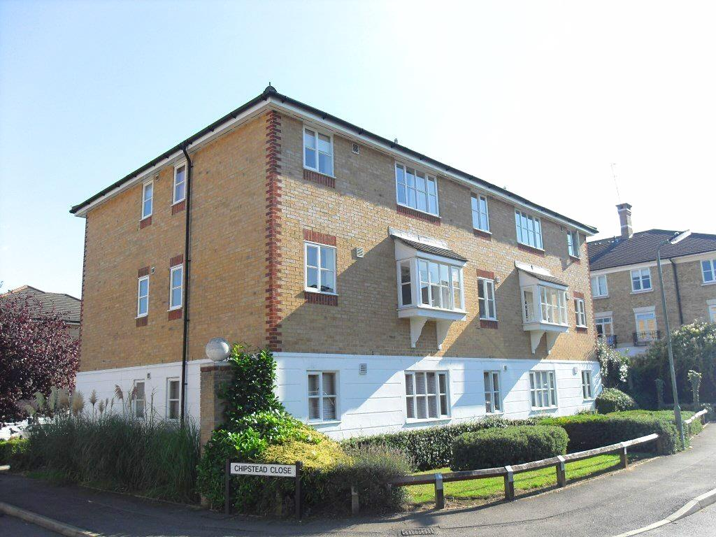 Flat to rent in Chipstead Close, Sutton  - Property Image 1