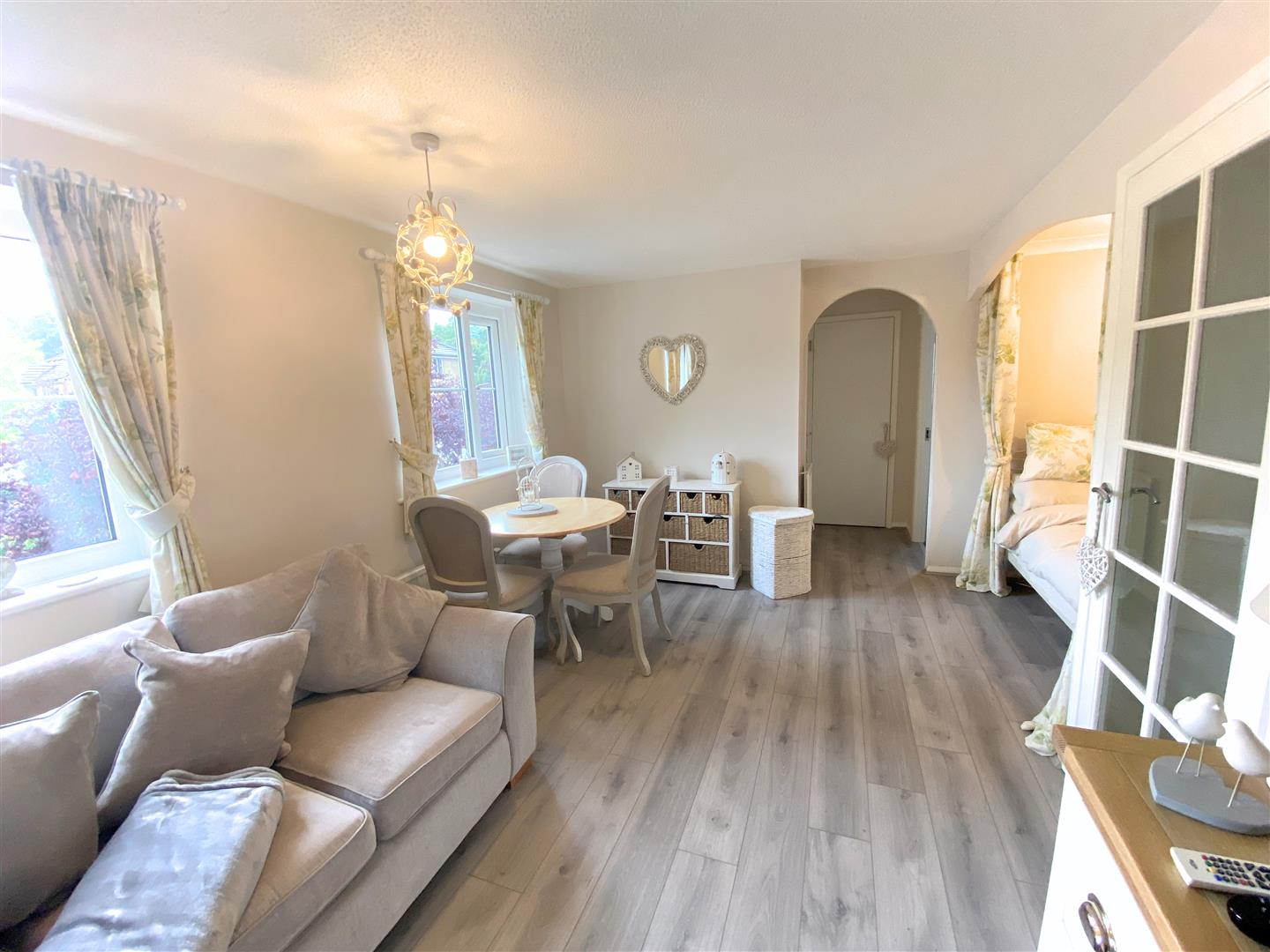 Flat to rent in Chipstead Close, Sutton 2