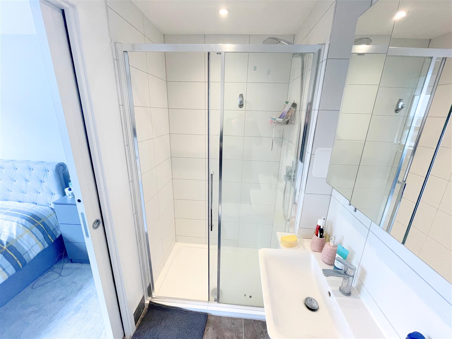 2 bed flat to rent in 242a High Street, Sutton  - Property Image 10