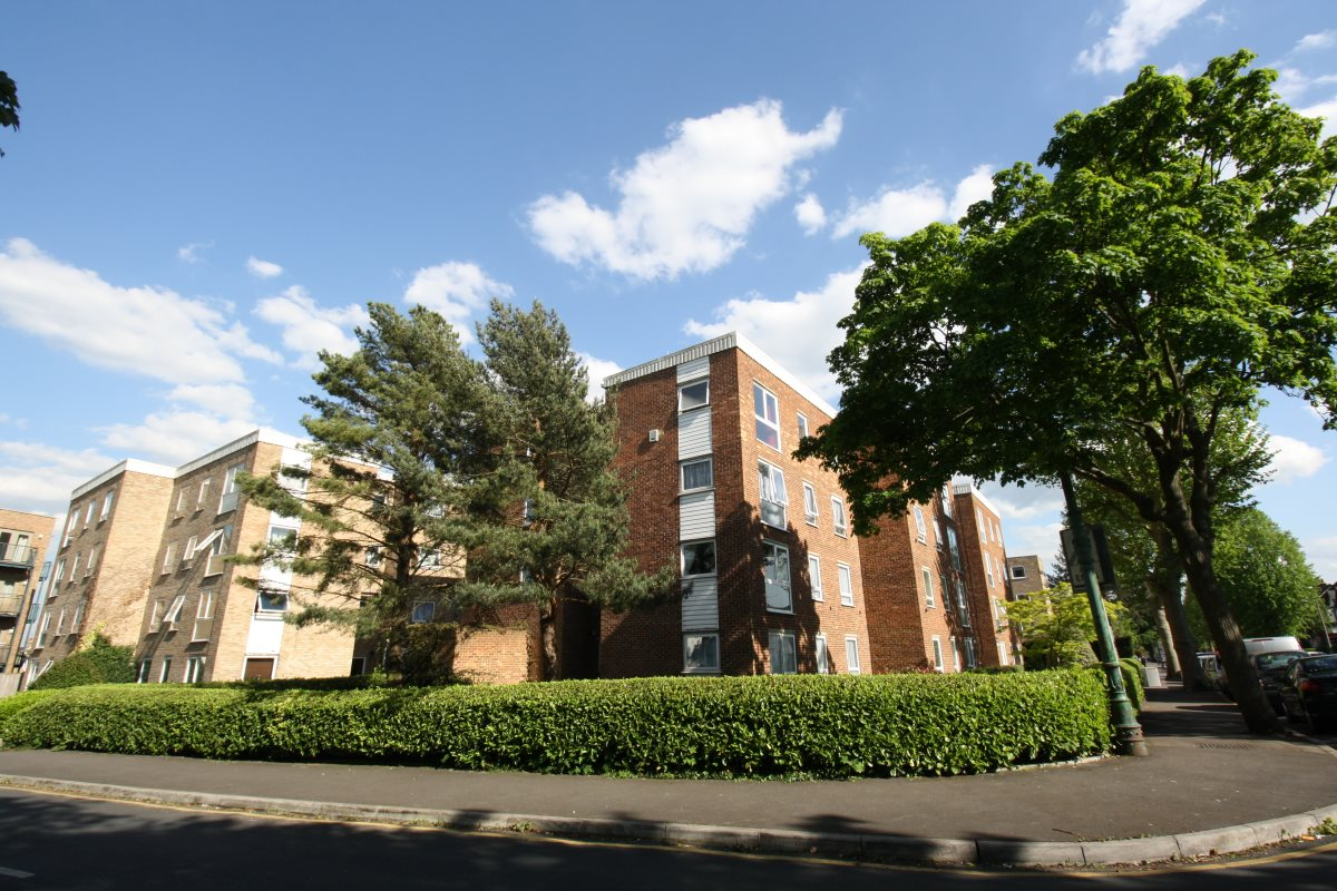 1 bed flat to rent in Jasmine Court, 152 St James Road, SM1