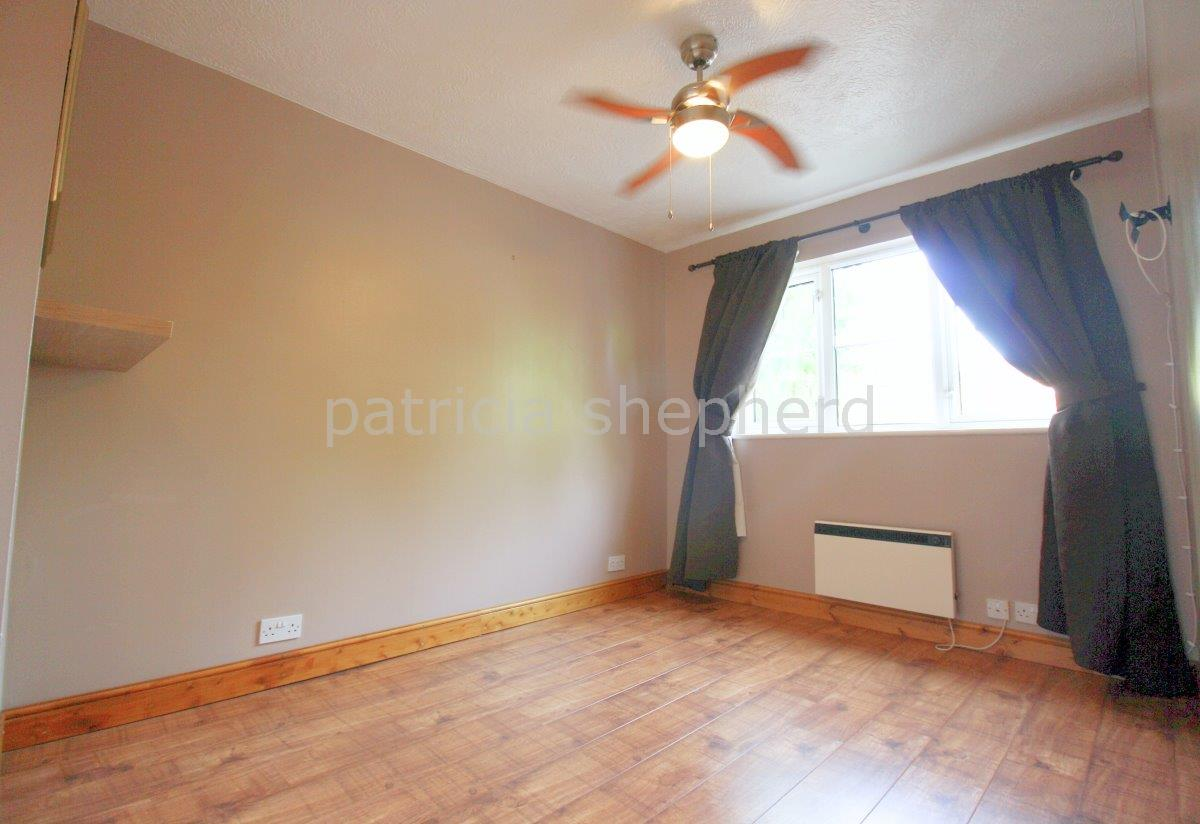 2 bed flat to rent in Autumn Drive, Sutton  - Property Image 5