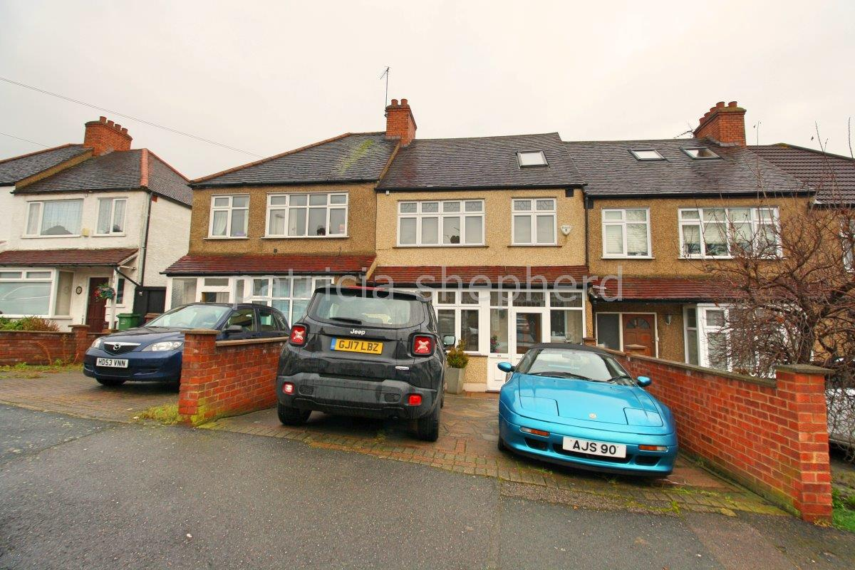 4 bed terraced house to rent in Hillview Road, Sutton, SM1