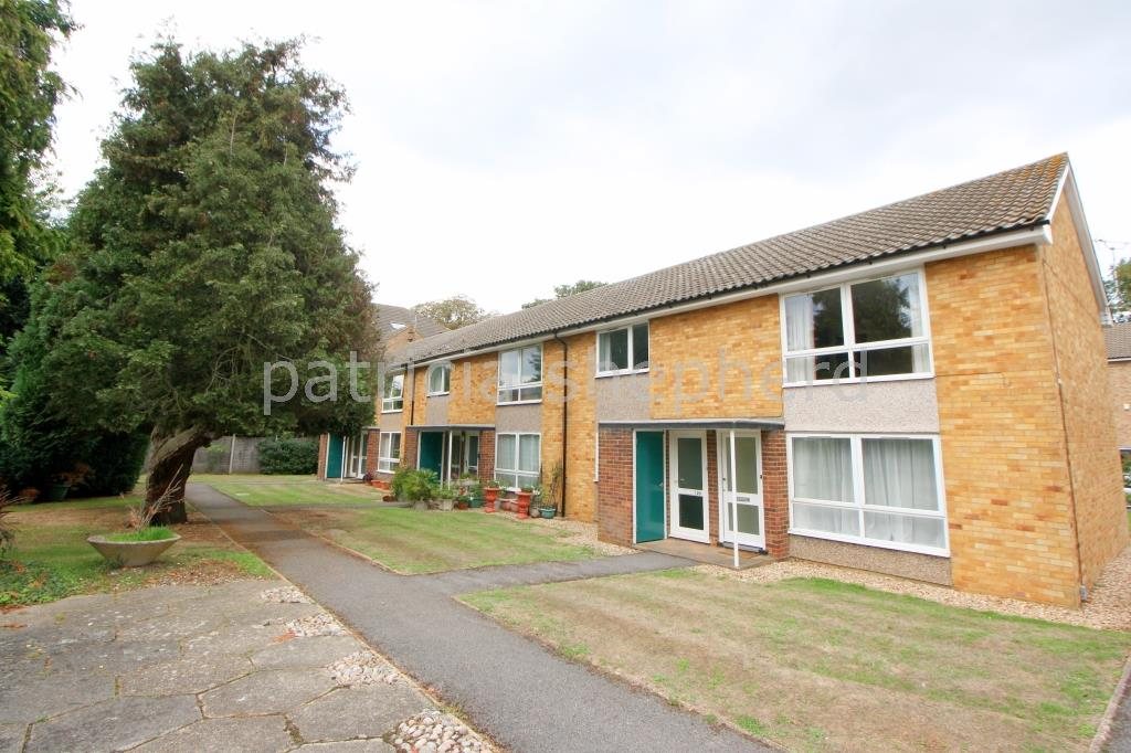 2 bed maisonette to rent in Weymouth Court, Grange Road, SM2