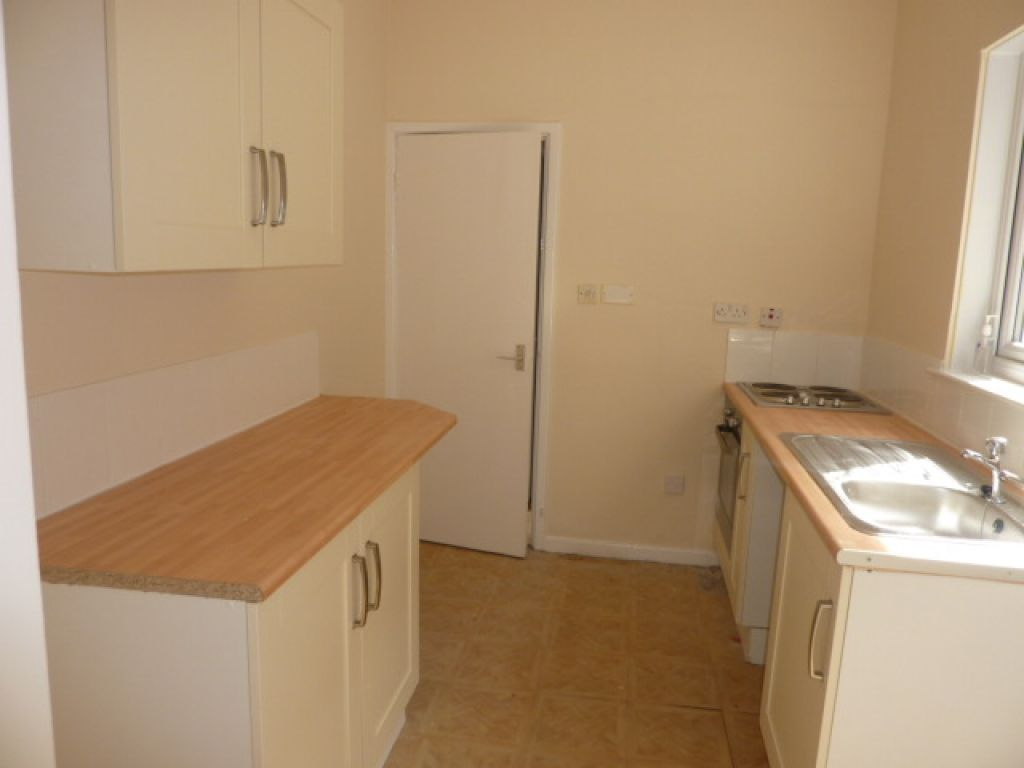 2 bed flat to rent in Beaconsfield Street, Arthurs Hill - Property Image 1