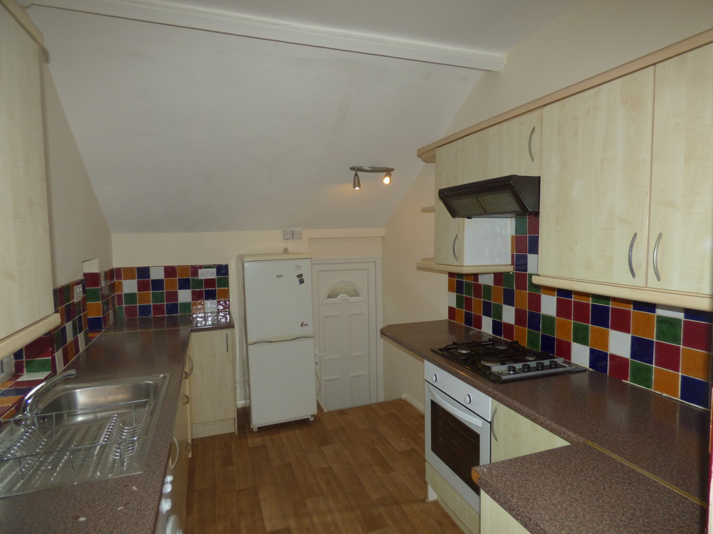 3 bed flat to rent in Simonside Terrace, Heaton  - Property Image 1