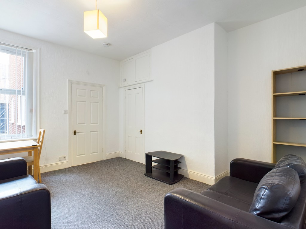 2 bed flat to rent in Simonside Terrace, Heaton  - Property Image 2
