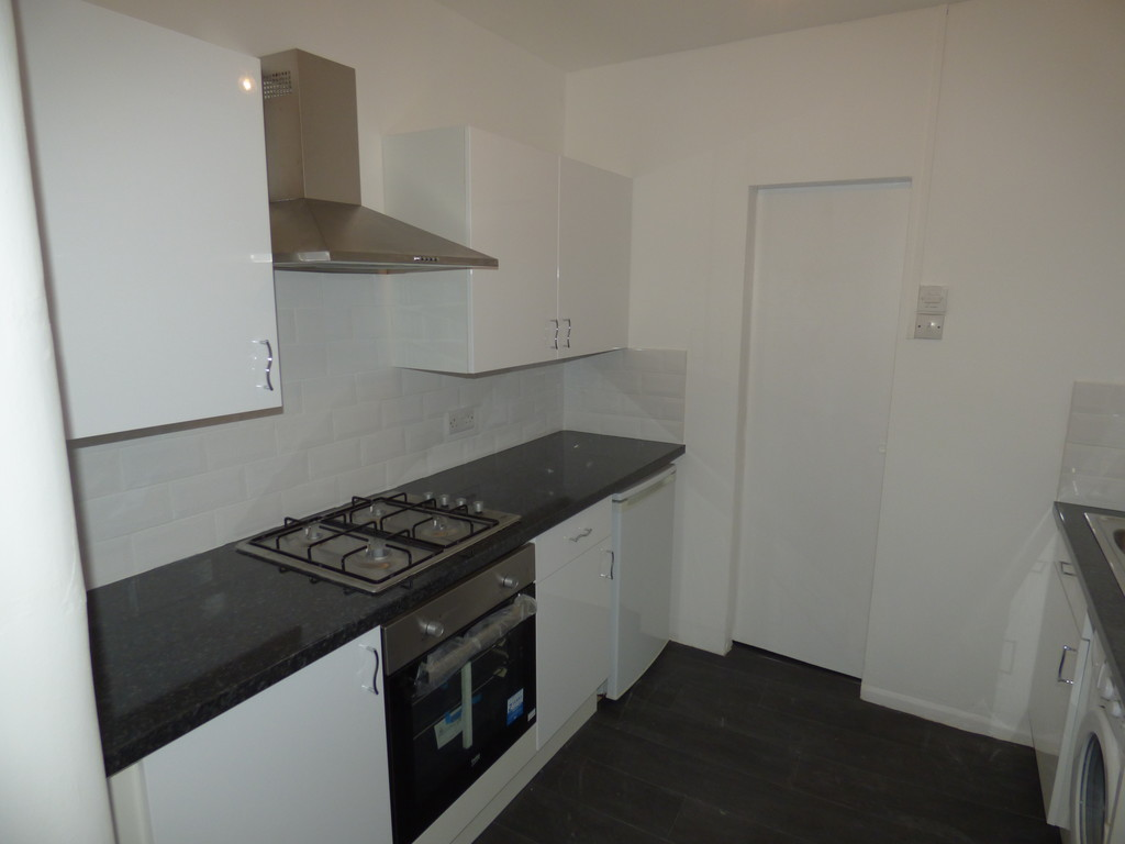2 bed flat to rent in Audley Road, South Gosforth  - Property Image 1