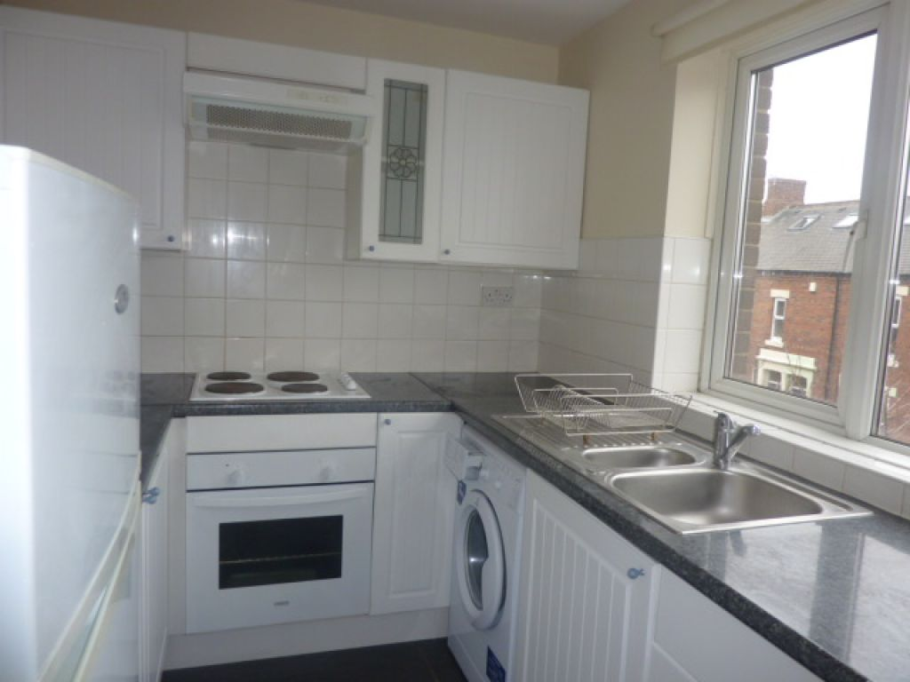 2 bed flat to rent in Lonsdale Court, West Jesmond - Property Image 1