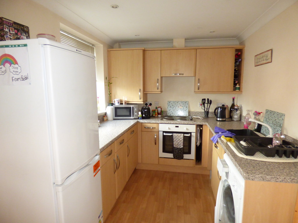 2 bed flat to rent in Hartford Street, Heaton  - Property Image 1