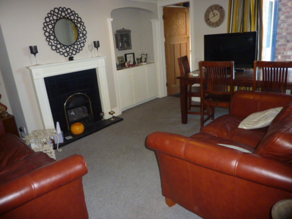 2 bed ground floor flat to rent in Addycombe Terrace, Heaton  - Property Image 1