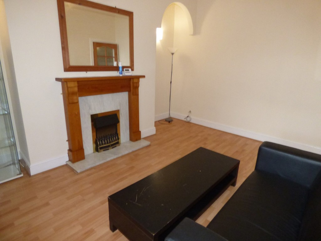 2 bed flat to rent in Rothbury Terrace, Heaton - Property Image 1
