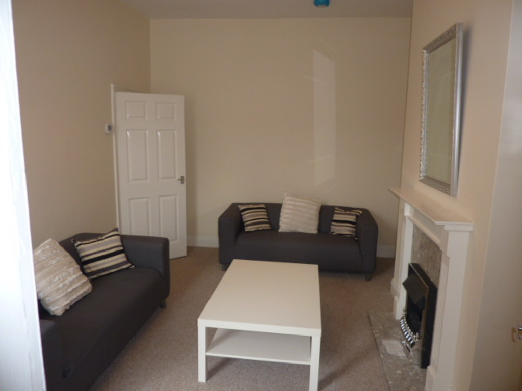 3 bed flat to rent in Trewhitt Road, Heaton  - Property Image 1