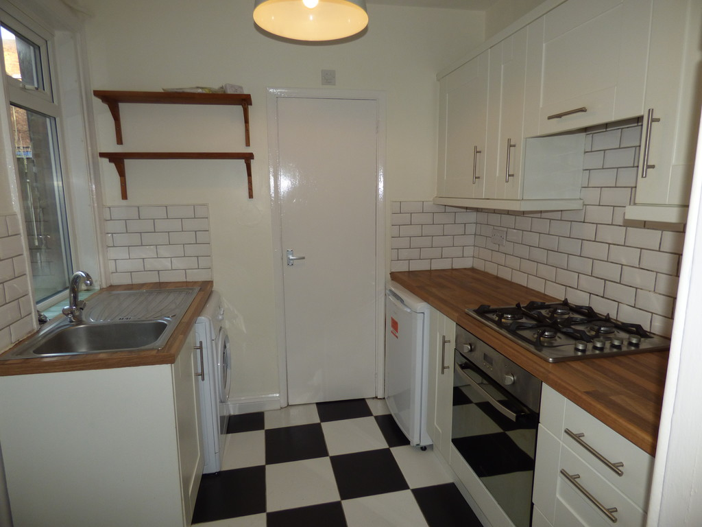 2 bed apartment to rent in Tosson Terrace, Heaton  - Property Image 1